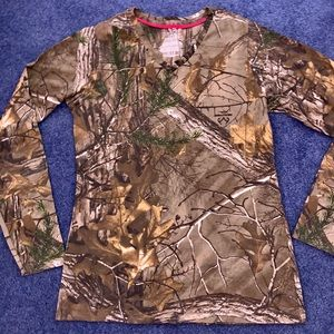 Realtree Long-sleeve Camouflage V-Neck